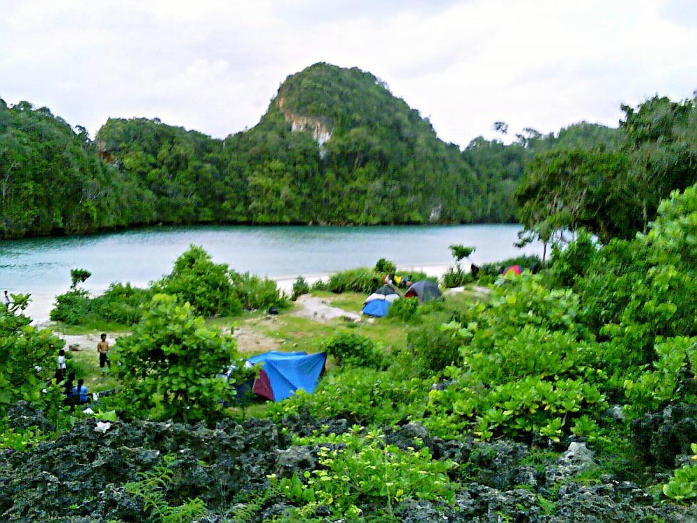 Kegiatan Wisata Yang Seru Dengan Berkemah Di Pulau Sempu Jawa Timur